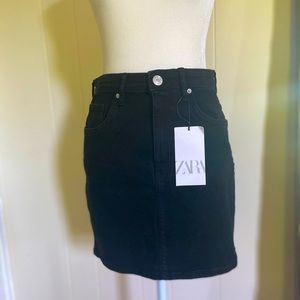 Zara Black Hi-Rise Stretch Denim Skirt size Medium